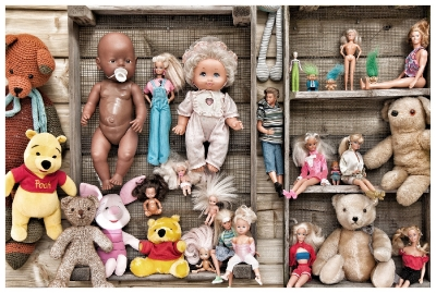 07 Wall of dolls
