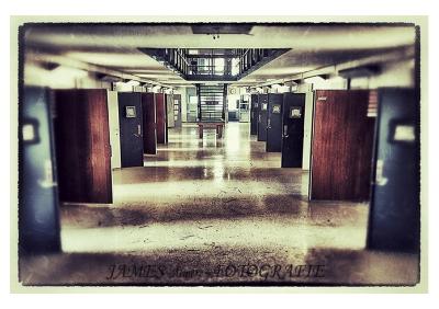 2015-11 JaMes - Empty Spaces